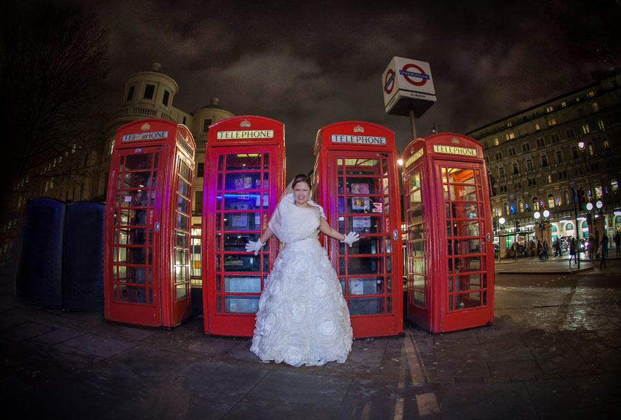 Charing_Cross_Winter_Wedding_Phone_Boxes