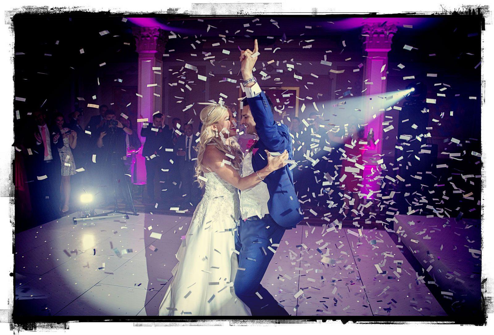 wedding couple first dance confetti cannon photo