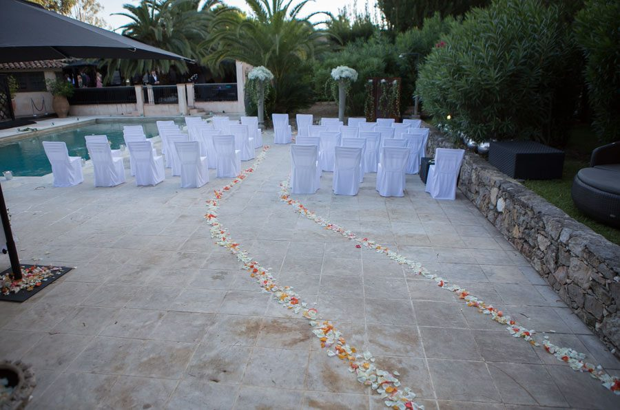wedding petals at La Tartane photo