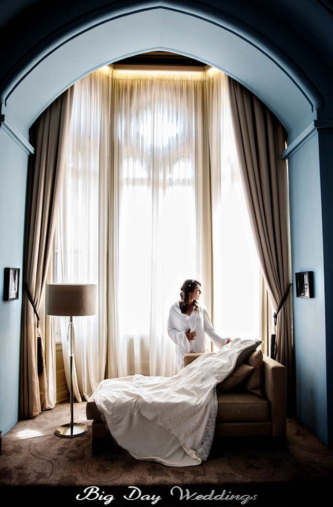 St Pancras hotel wedding prep shot