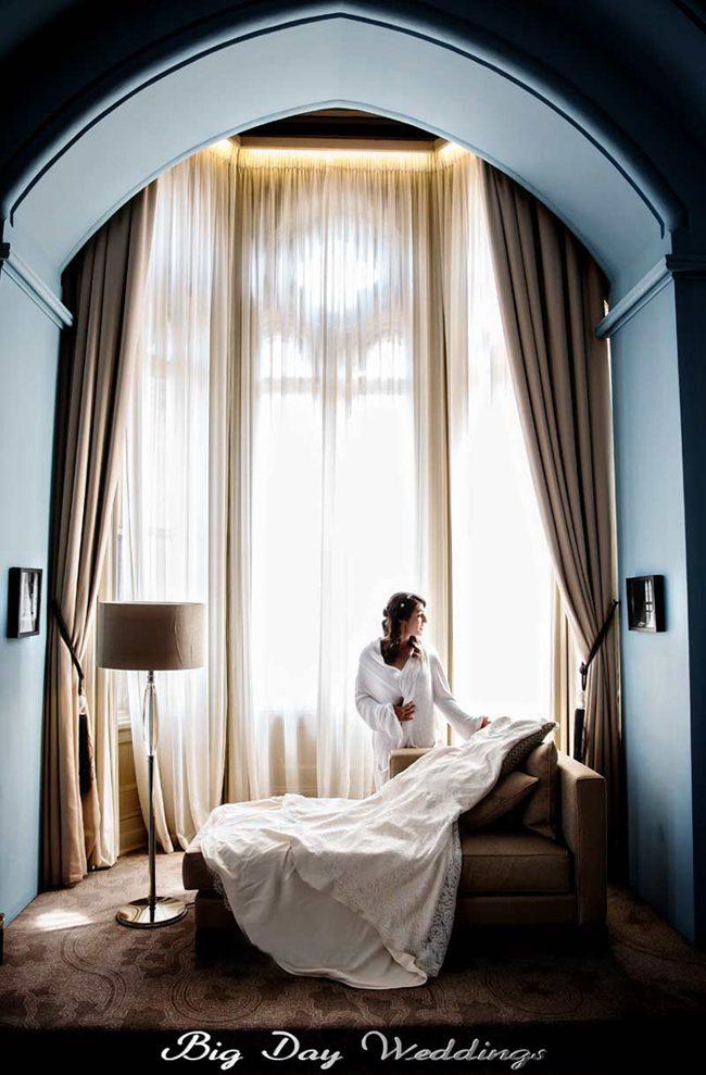 St Pancras hotel wedding prep shot
