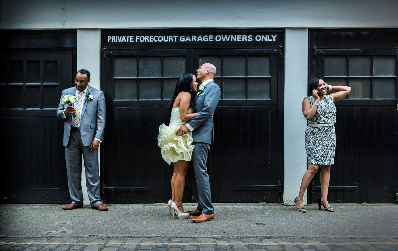 London_Street_Wedding_Scene