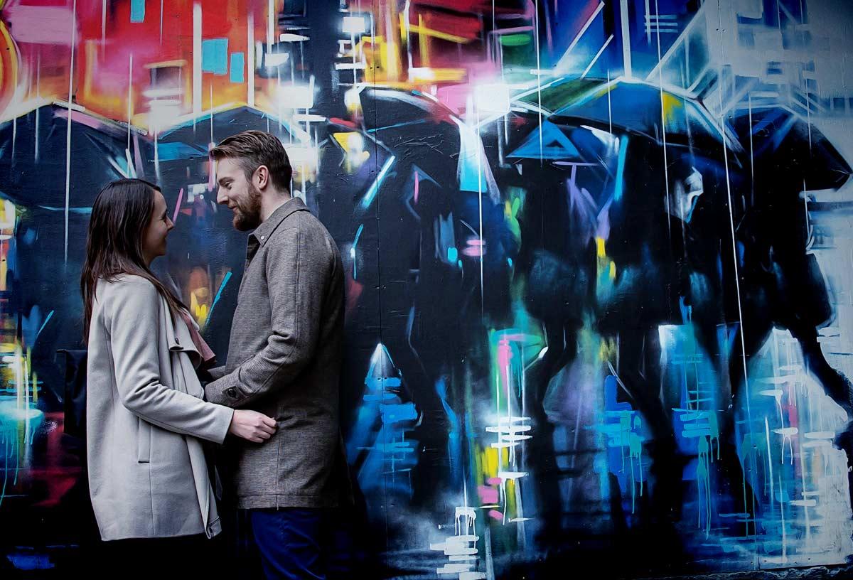 graffiti couple at Southbank