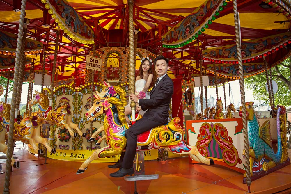 London Wedding Carousels, we love them! London Wedding Photographers