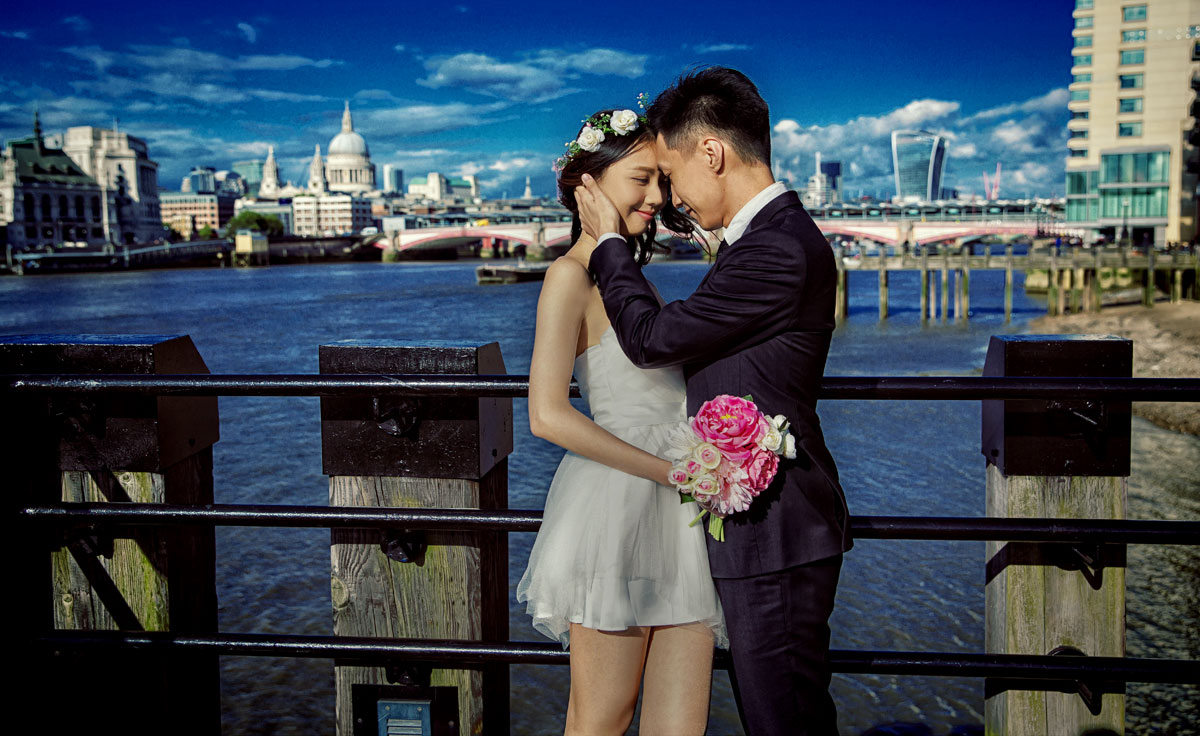 Chinese engagement shoot at London by southbank