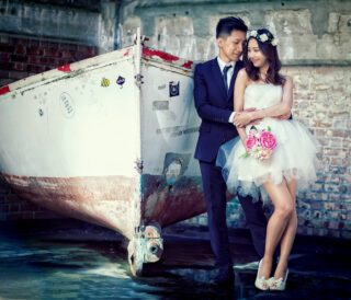Chinese engagement shoot in London by boat