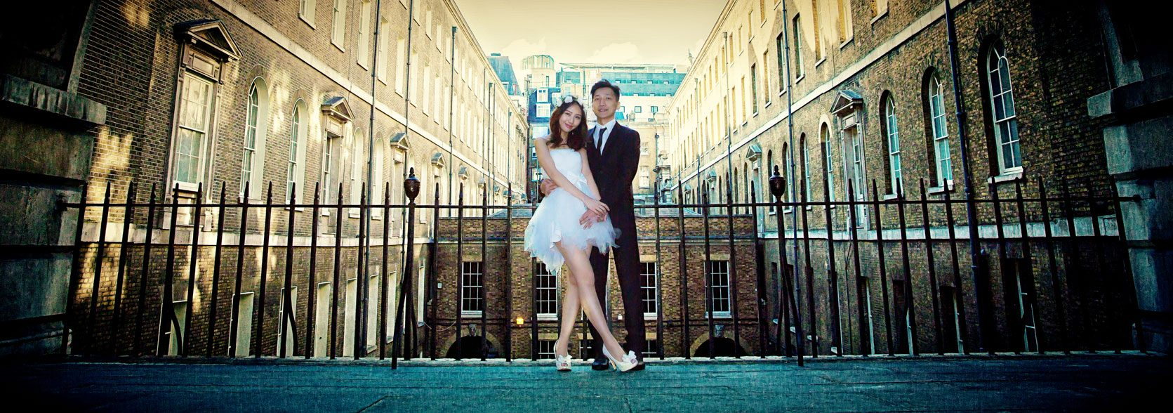 London engagement shoot with Chinese wedding couple