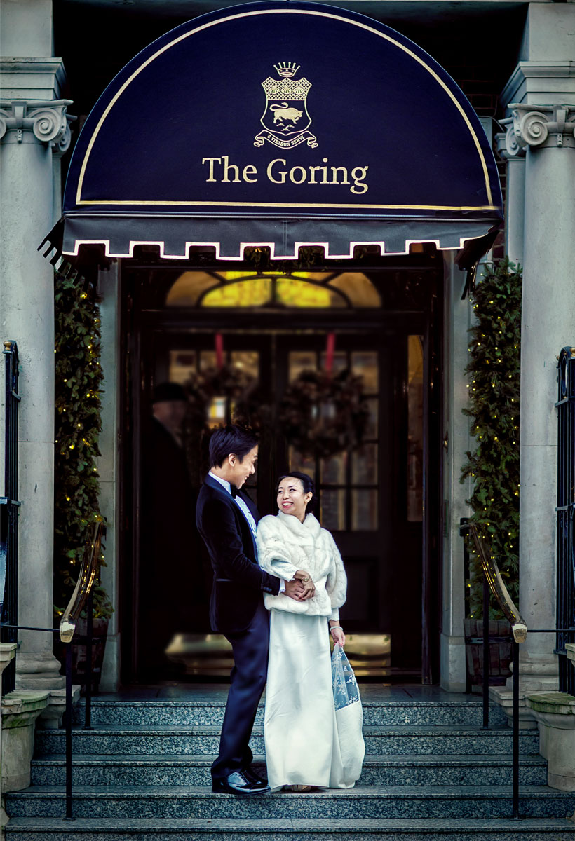 Wedding couple outside The Goring Hotel