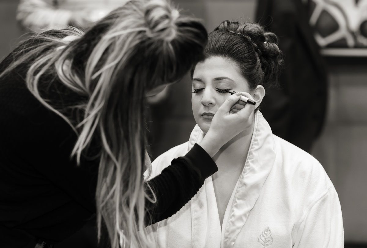 Bride gets ready at Four Seasons Park Lane London