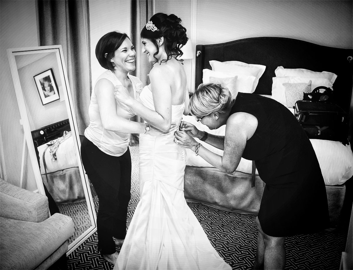 Bride gets ready at Waldorf Hilton London photo