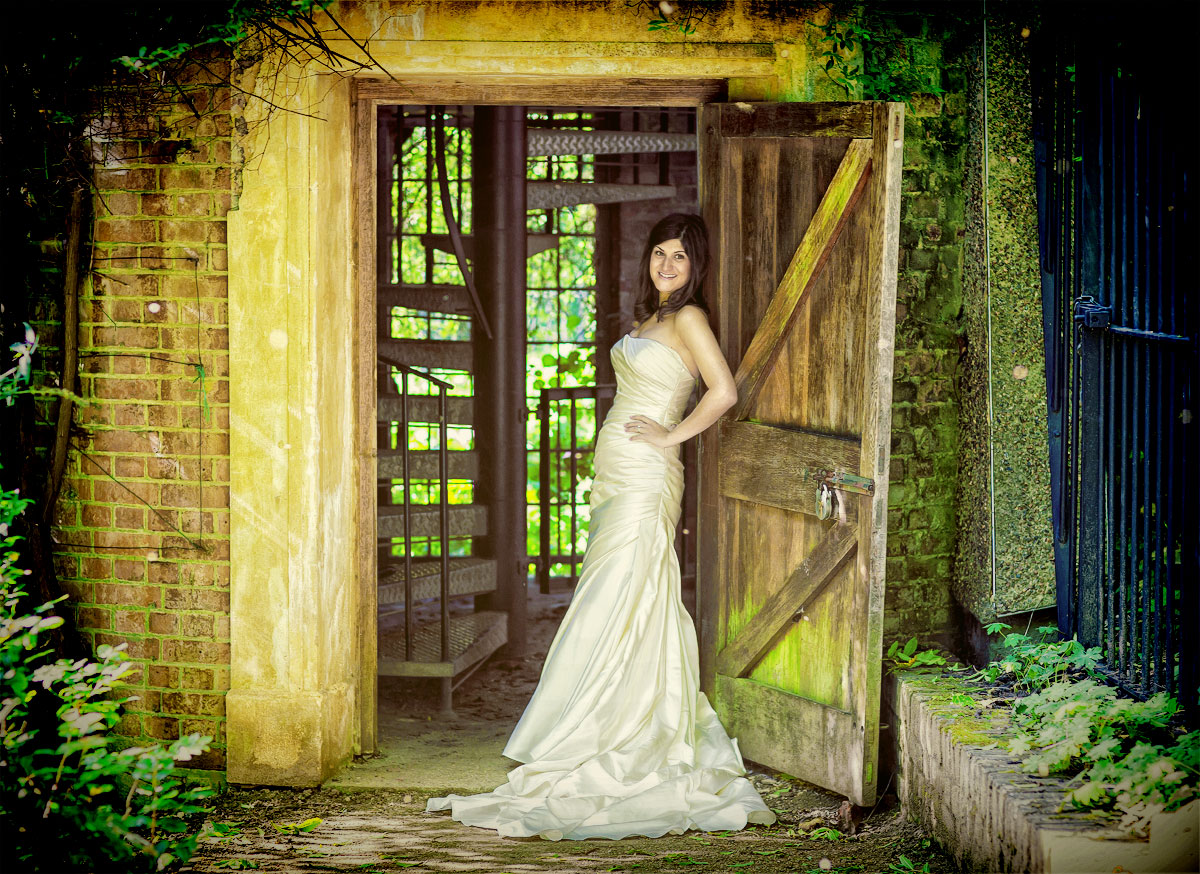 Jewish bride poses in London doorway on her wedding day image