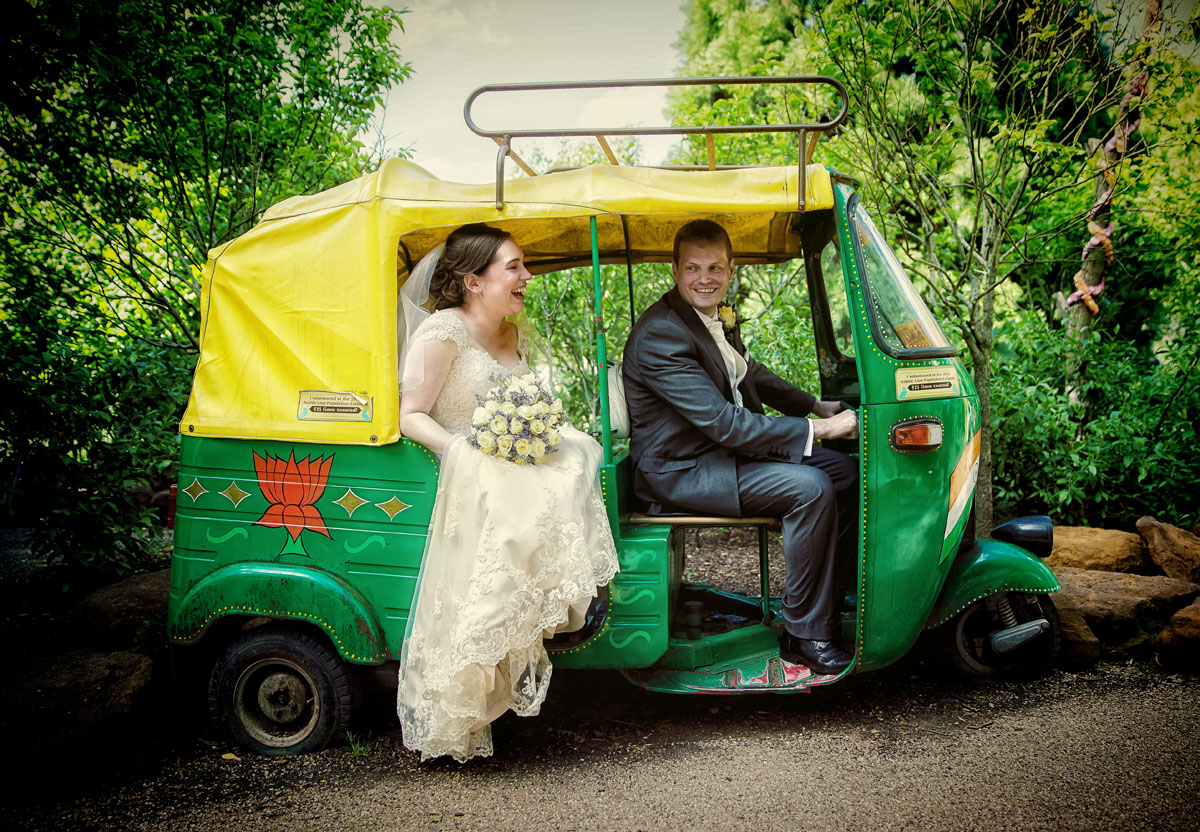 London Zoo wedding couple in mini van