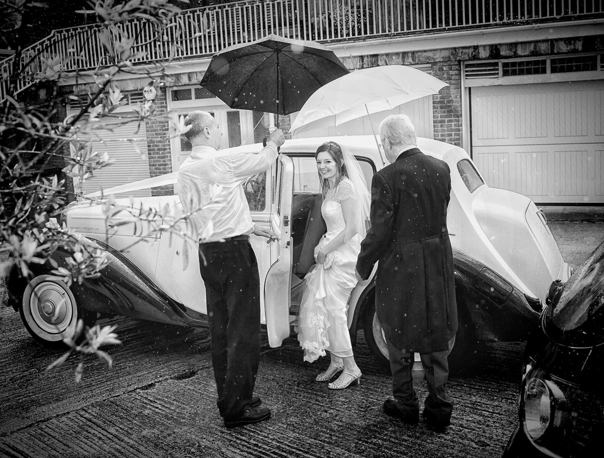 Bride leaves in rain for Lords Cricket Club wedding day