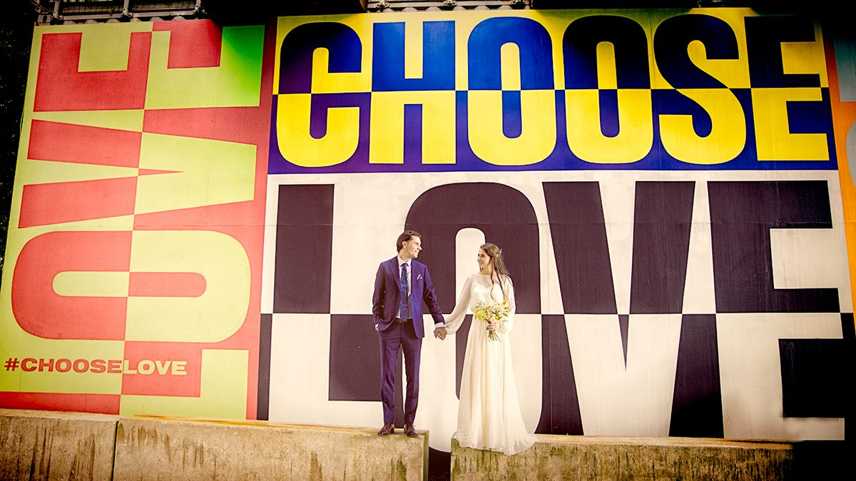 London wedding couple choose love at Southbank
