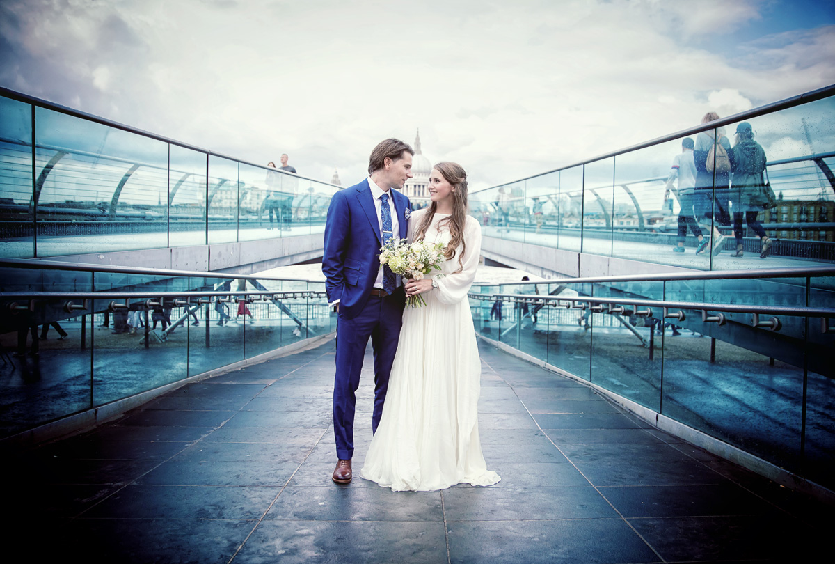 London wedding couple on Millennium Bridge image