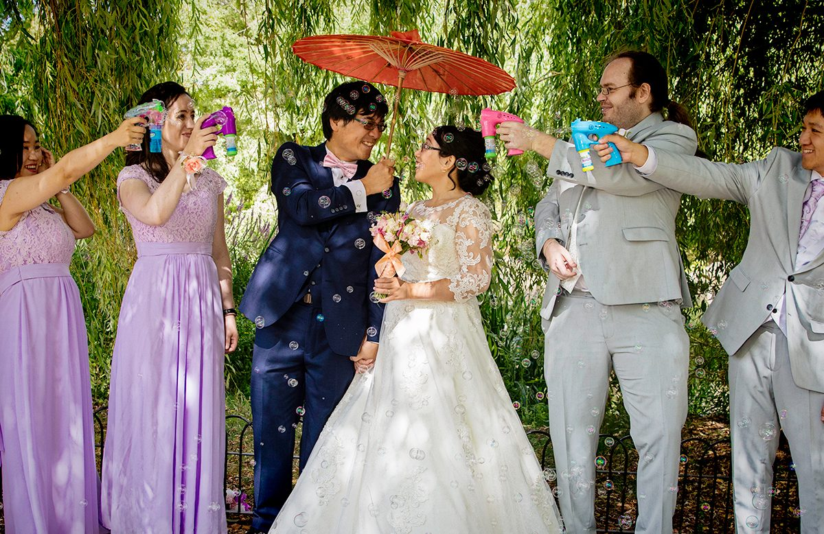 Chinese wedding in central London with bubble guns